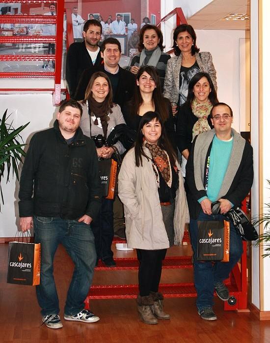 """Foto de familia de la """"gastroquedada"""" que tuvimos con varios blogueros, pero no estábamos todos en la foto!!"""